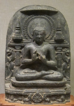 'Buddha's_First_Sermon',_chlorite_statue_from_India,_Pala_dynasty,_11th_century,_Honolulu_Academy_of_Arts