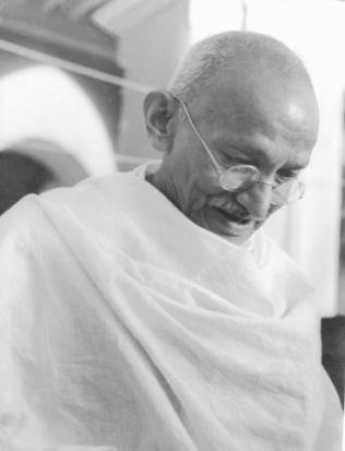 Gandhi_1944 wikimedia