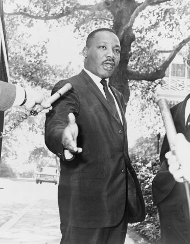 800px-Martin_Luther_King_Jr_NYWTS_2