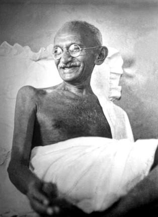Gandhi_smiling_1942 wikimedia